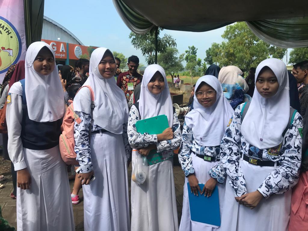 11 SISWA SMP N 1 TUBAN MASUK BABAK FINAL KMNR 15